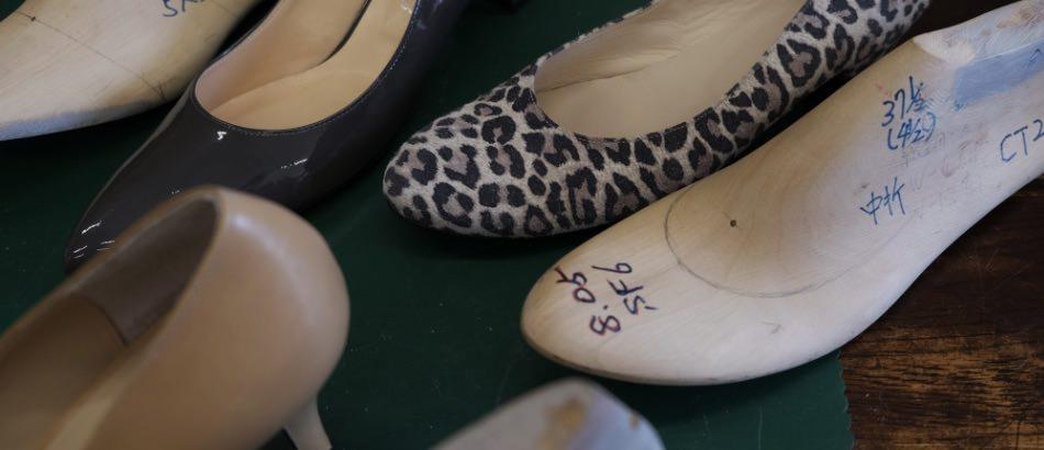 写真:Chochotteの木型と靴