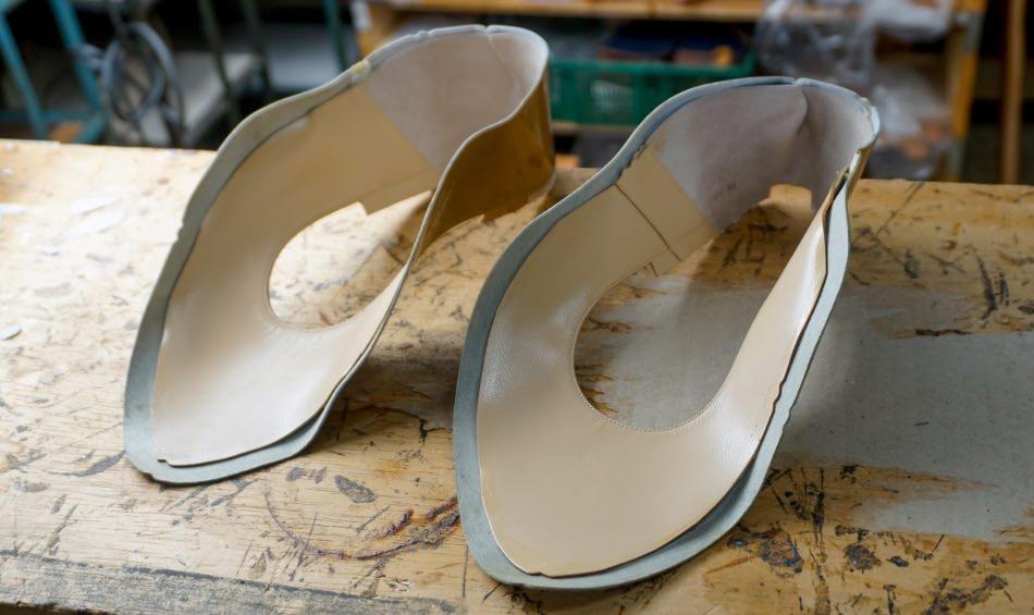 写真:完成した靴の甲(アッパー)